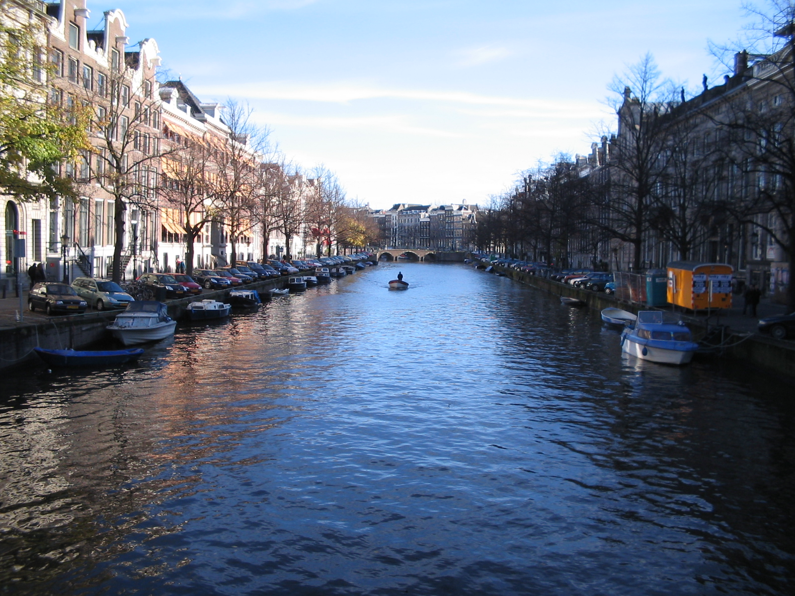 water runs through every part of Amsterdam